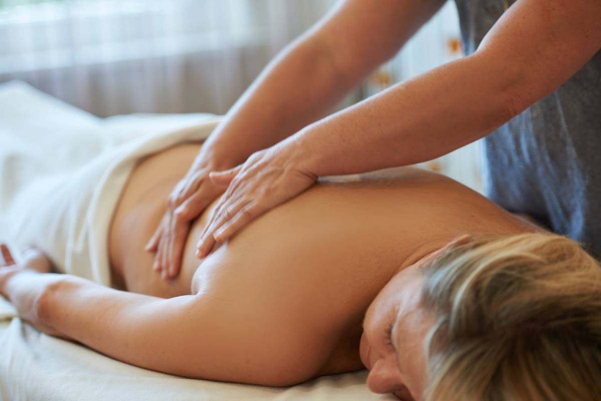 Massageanwendung im Kur- und Wellnesshotel Kronenhof